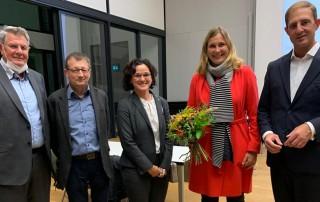 """Die Kreistagsfraktion und der Kreisvorstand der """"Freien Wähler"""" im Landkreis Zwickau gratulieren Constance Arndt zur Wahl als Zwickauer Oberbürgermeisterin."""